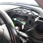 RX-8の運転席側ダッシュボードやメーターを取り外す
