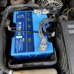 RX-8のバッテリー交換方法
